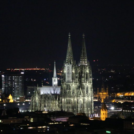 cropped-Cologne-at-Night-1.jpg